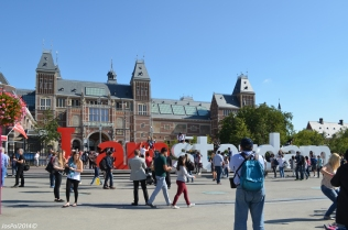 The Rijks Museum in the background